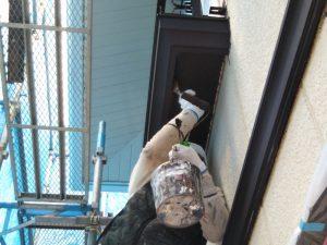 住宅の塗装作業