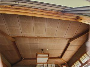 雨漏り後の天井