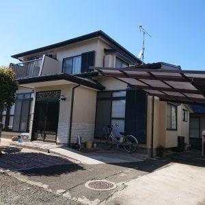 塗り替え後の家