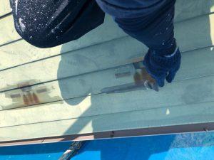 屋根のケレン作業