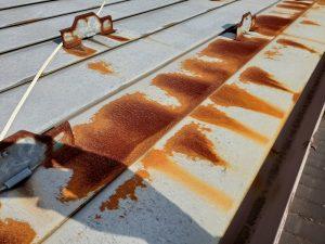 錆びた屋根